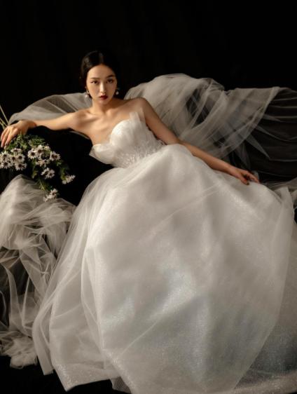 南京租婚纱大概多少钱