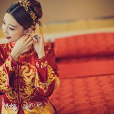 既适合婚纱又适合秀禾的造型 白纱秀禾服两用造型