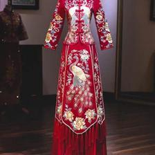 结婚穿婚纱还是秀禾服好