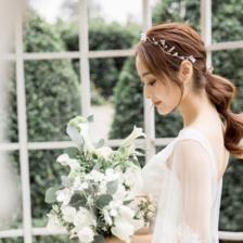 拍婚纱照染什么颜色的头发好看