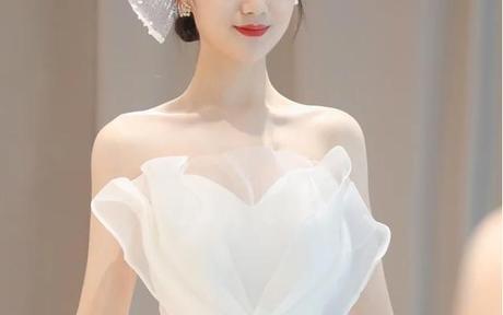 婚纱跟妆是男方出钱吗