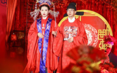 凤冠霞帔婚纱多少钱一套
