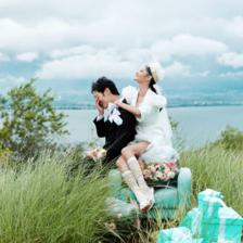 拍婚纱照姿势是自己提前想好吗 摄影师会教摆动作吗