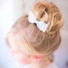 花童发型图片 女花童的发型简单扎法