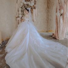 结婚礼服要准备几套