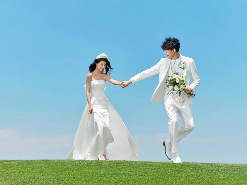 订婚女方给男方见面礼一般给多少
