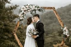 男狗女蛇的婚姻怎么样 女蛇男狗婚姻是否相配