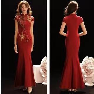 旗袍不是只有瘦才能穿,这样的身材穿着反而更惊艳!