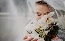 脸大怎么拍婚纱照显瘦?掌握这5大技巧就够了!